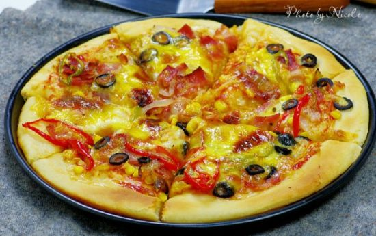 榄培根匹萨