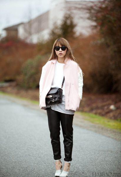 组图:少女演绎中性硬朗的皮质单品时尚搭配