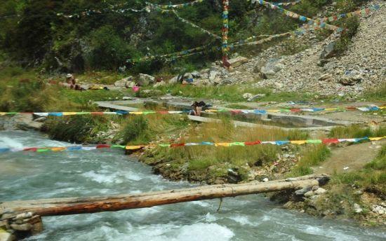 谷风景区位于甘孜藏族自治州丹巴县城西南21公里的东