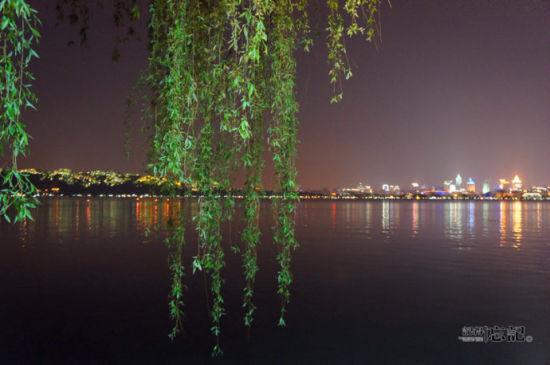夜色西湖边