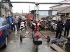 上海打工青年花4万元自制飞机