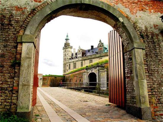 《汉姆雷特》让埃尔西诺城堡的塔楼和山墙一举成名