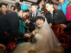 90后癌症女孩与男友举办婚礼