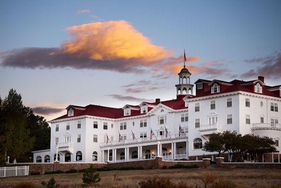 历史悠久的斯坦利酒店,这里是斯蒂芬·金的著名小说《闪灵》中遥望酒店的原型