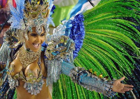热情的巴西狂欢节再不疯狂我们就老了(组图)