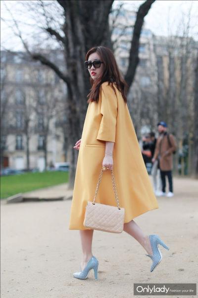 组图:时尚博主完美示范巴黎时装周街拍秀解读
