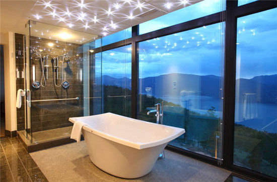 闪耀之山度假村(Sparkling Hill Resort)