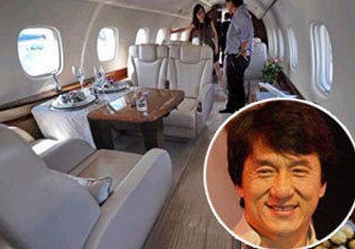 成龙的私人飞机