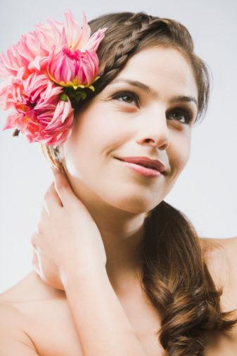 化妆同时的护肤七个小技巧让你摆脱痘痘困扰