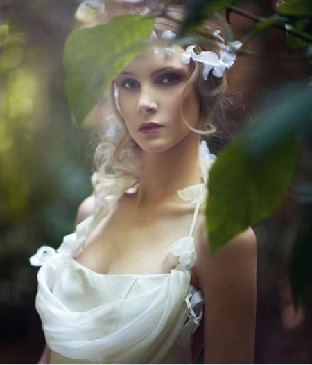 新娘造型演绎波西米亚风格诠释女性的魅惑柔情