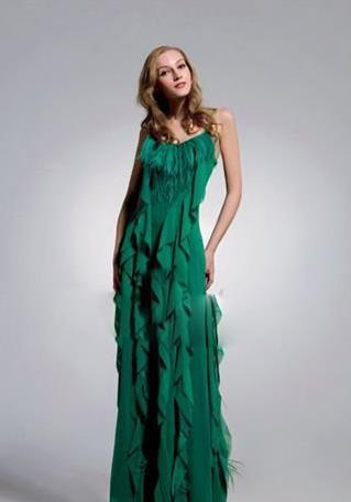 长款婚纱礼服的挑选攻略新娘美艳动人的秘密