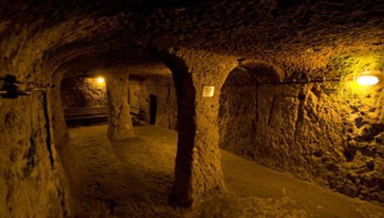土耳其卡帕多奇亚的代林库尤地下城