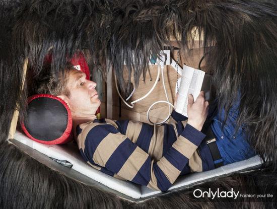 组图:时尚潮人住进熊肚子教你体验动物世界