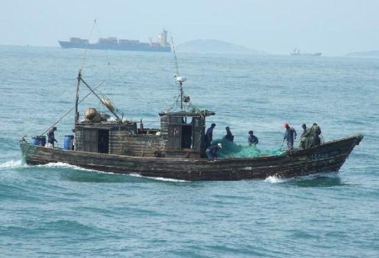 渔民出海捕鱼