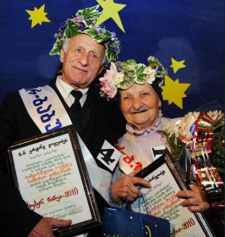 超级奶奶和超级爷爷选美赛