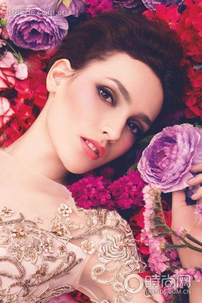 四种多彩亮眼春妆提升新娘甜美度(组图)