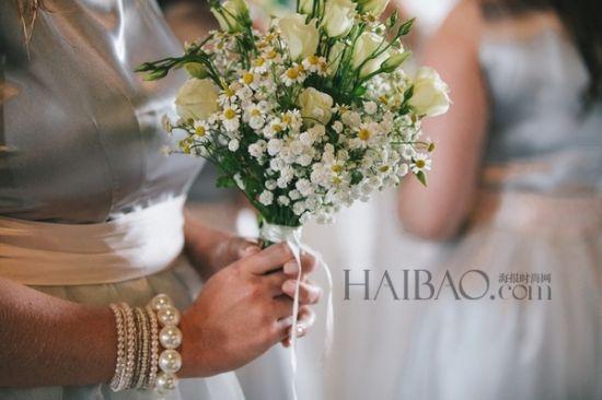 春天户外婚礼阳光下的温暖仪式中感受爱与祝福