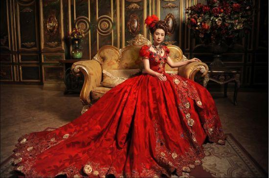 拍摄欧式经典的 宫廷婚纱照