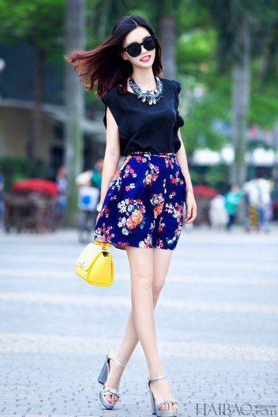 夏日必备印花裙时尚达人教你穿出洋气复古范
