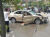 福州轿车放学时间撞向人群造成死伤
