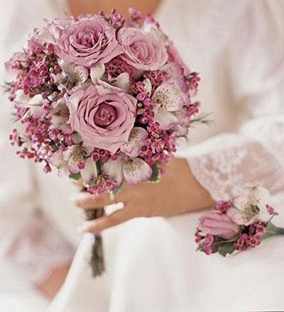 组图:将幸福延续下去的新娘婚礼花球