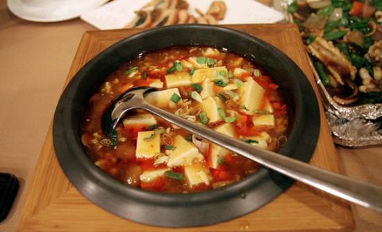 石锅菌菇豆腐