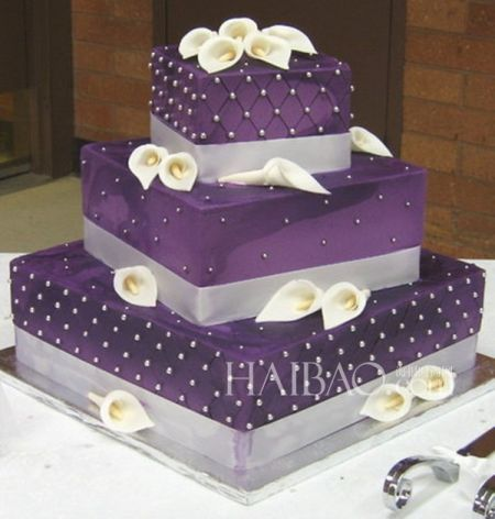 紫色主题婚礼蛋糕点亮浪漫婚礼中的甜蜜诱惑