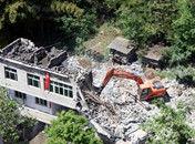 重庆近200名执法者强拆十口之家改建房