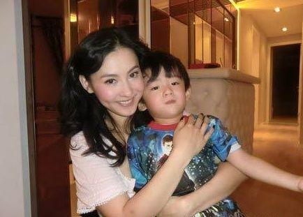 张柏芝和儿子