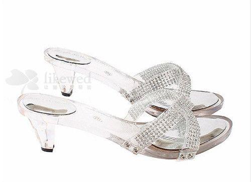 婚嫁必备个性平底婚鞋婚礼也能同样精彩