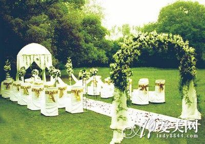 组图:绿色婚礼现场布置春夏时节浪漫又清新