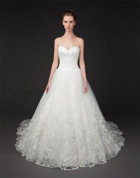 无论如何都要美适合矮个子新娘的婚纱款式