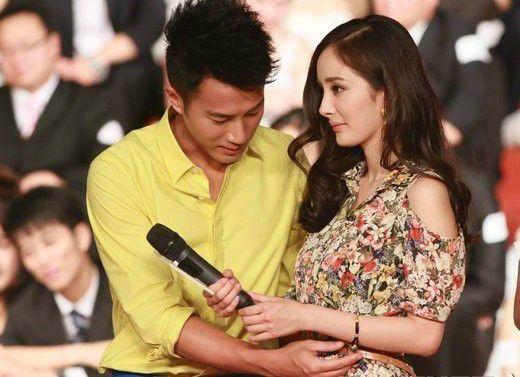 组图:邓超称儿子取爱女名字 曝杨幂本月生产(2