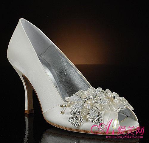 华丽婚鞋为你承托女人一生最美的时刻(组图)