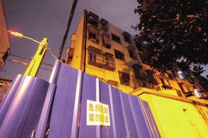 徐戎三村18-21号边围起了隔离栏 资料图