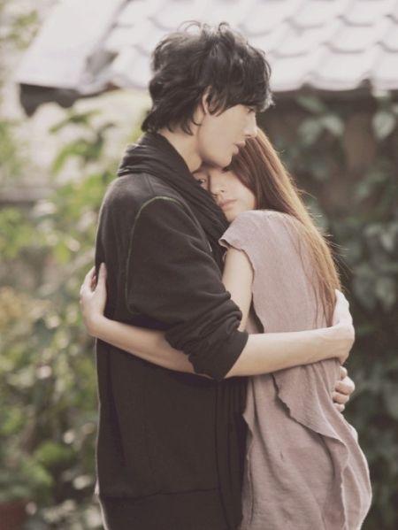 揭男人坠入爱河后的心态变化女人必知恋爱技巧