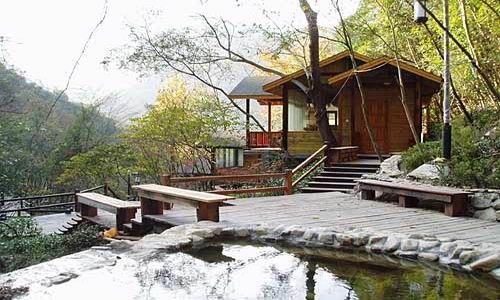 宁海森林温泉 入住12星座小木屋