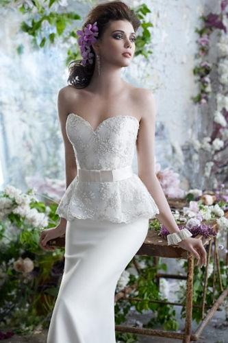 选择结婚当天的婚纱礼服与敬酒服要点大揭秘