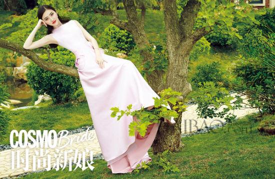 景甜演绎《时尚新娘》封面大片 还原可爱女人