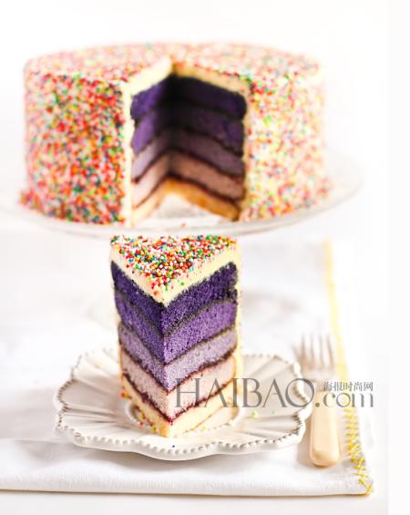 彩虹婚礼蛋糕夏季结婚仪式上的创意甜品之选