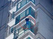 江苏男子徒手爬至27楼疑为小偷