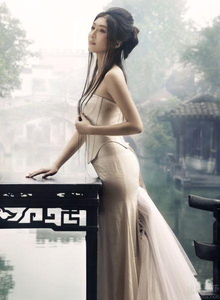 细腰长腿美女勾魂摄魄