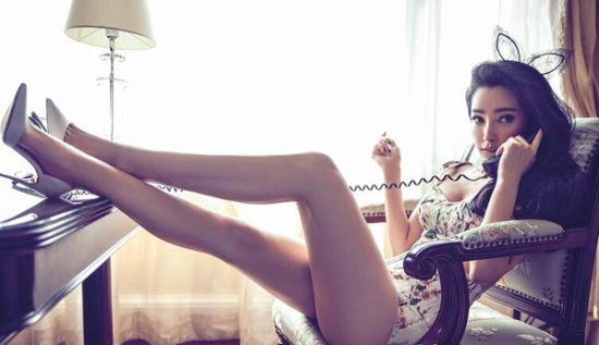 组图:李冰冰上杂志封面大秀长腿酥胸性感火辣