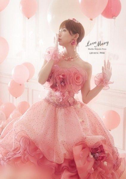 筱田麻里子自创婚纱品牌唯美梦幻惹小女生钟爱