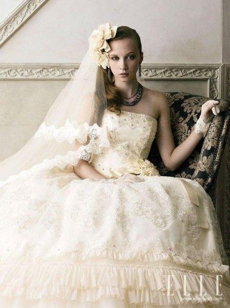 俏皮可爱的宫廷新娘装 别致婚纱激发典雅之美