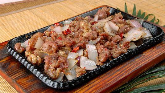 新疆炒烤羊肉