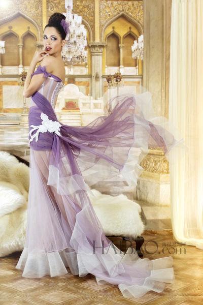 灵感源自森林女神唤醒十九世纪的礼服记忆
