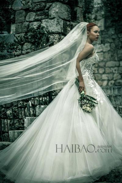奢华水晶塑造摩登新娘形象打造夏日完美仪式