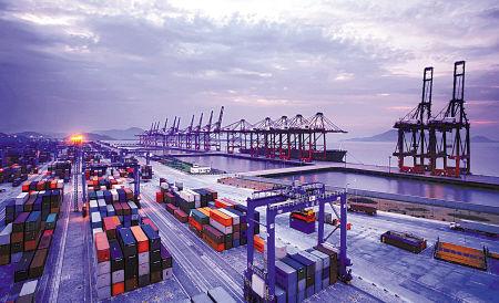 宁波港主要分为甬江港区,镇海港区,北仑港区,大榭港区,穿山港区