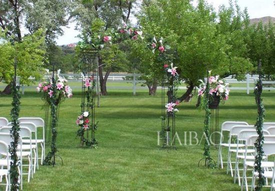 与大自然的约会夏日的浪漫花园是婚礼举办地